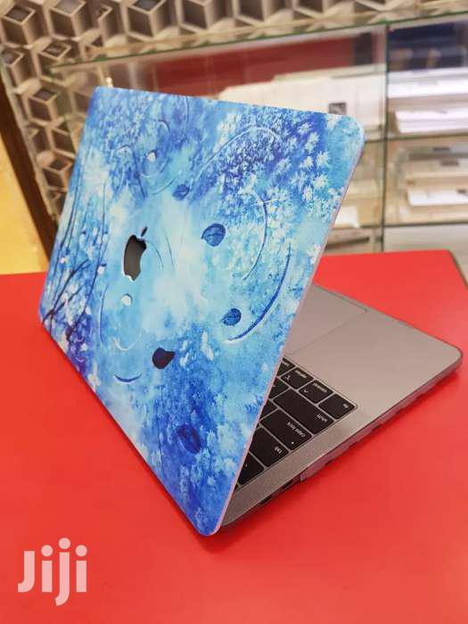 Archive: Apple Macbook Pro Core I5 (MID 2018) With A Apple Cover