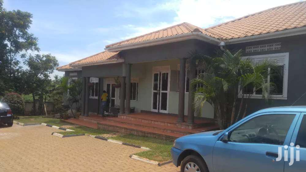 Archive: Hot 2bedroom 2baths Fully Self Contained In NAJJERA-BUWATE