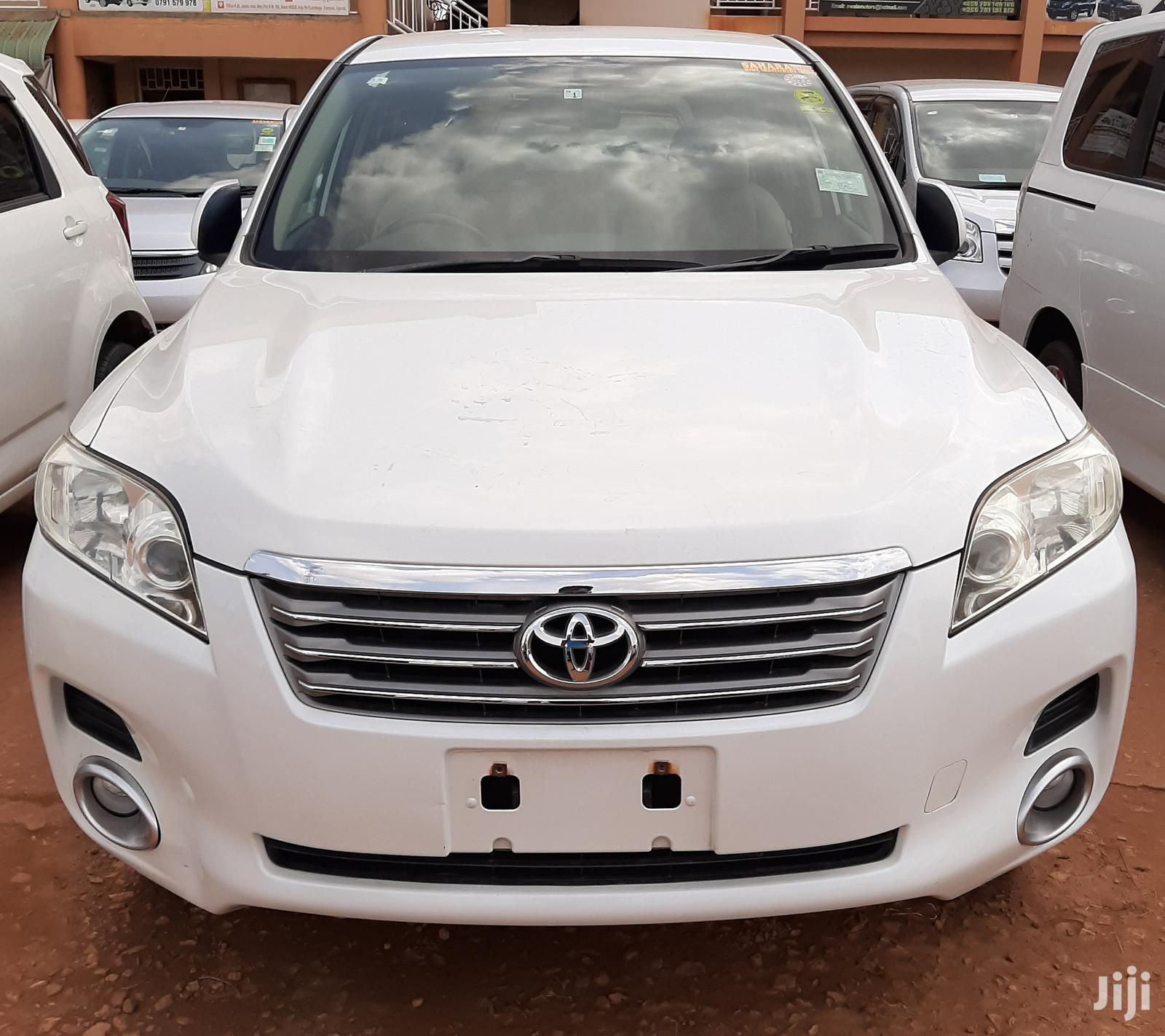 Toyota Vanguard 2007 White
