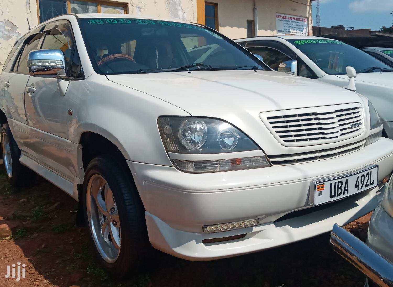 Toyota Harrier 1999 White