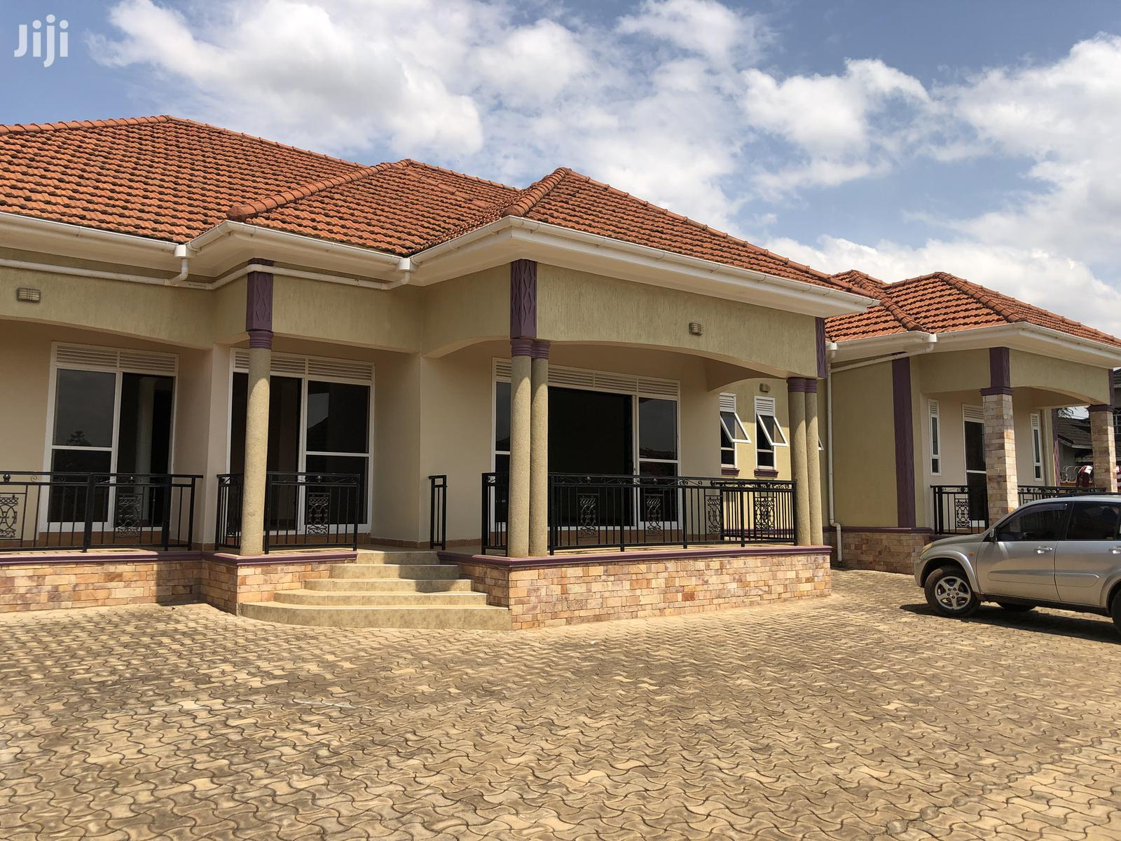 Archive: 4 Bedroom House In Kira For Sale