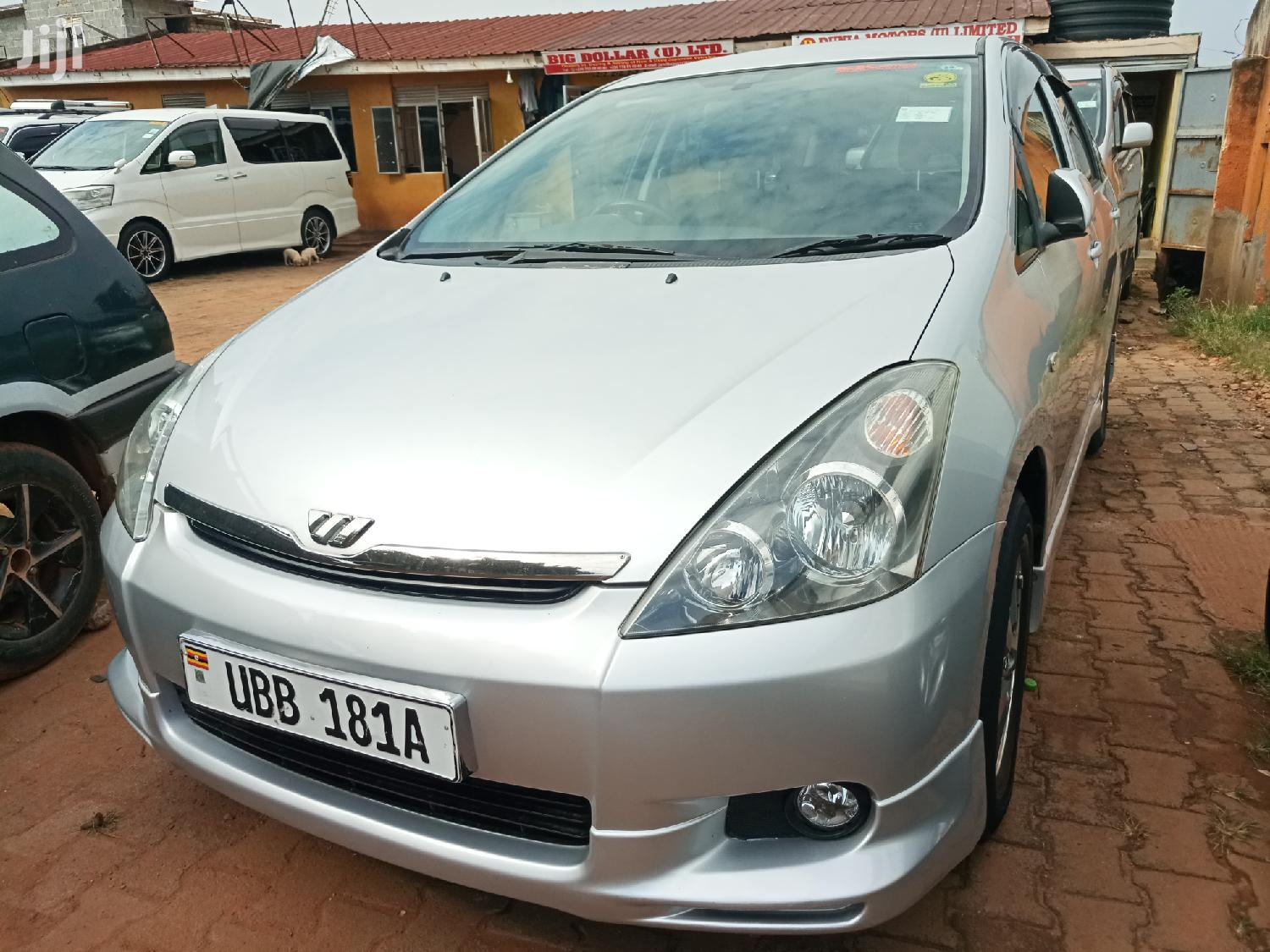 Archive: Toyota Wish 2001 Silver