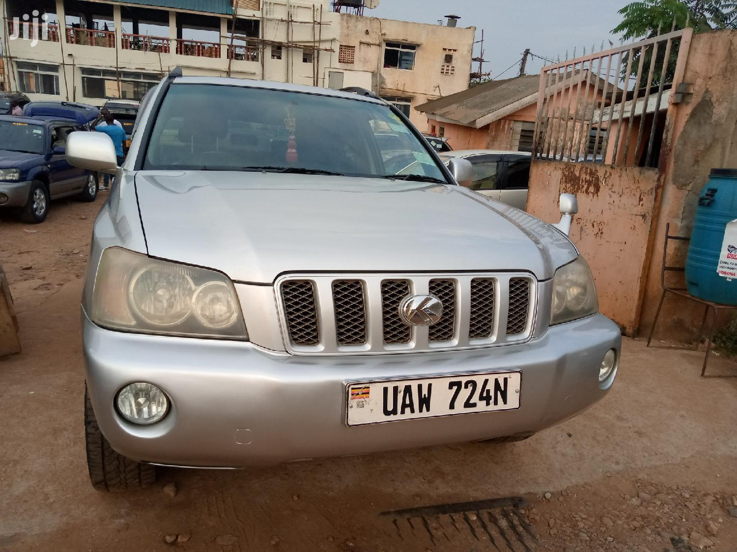 Toyota Kluger 2001 Silver