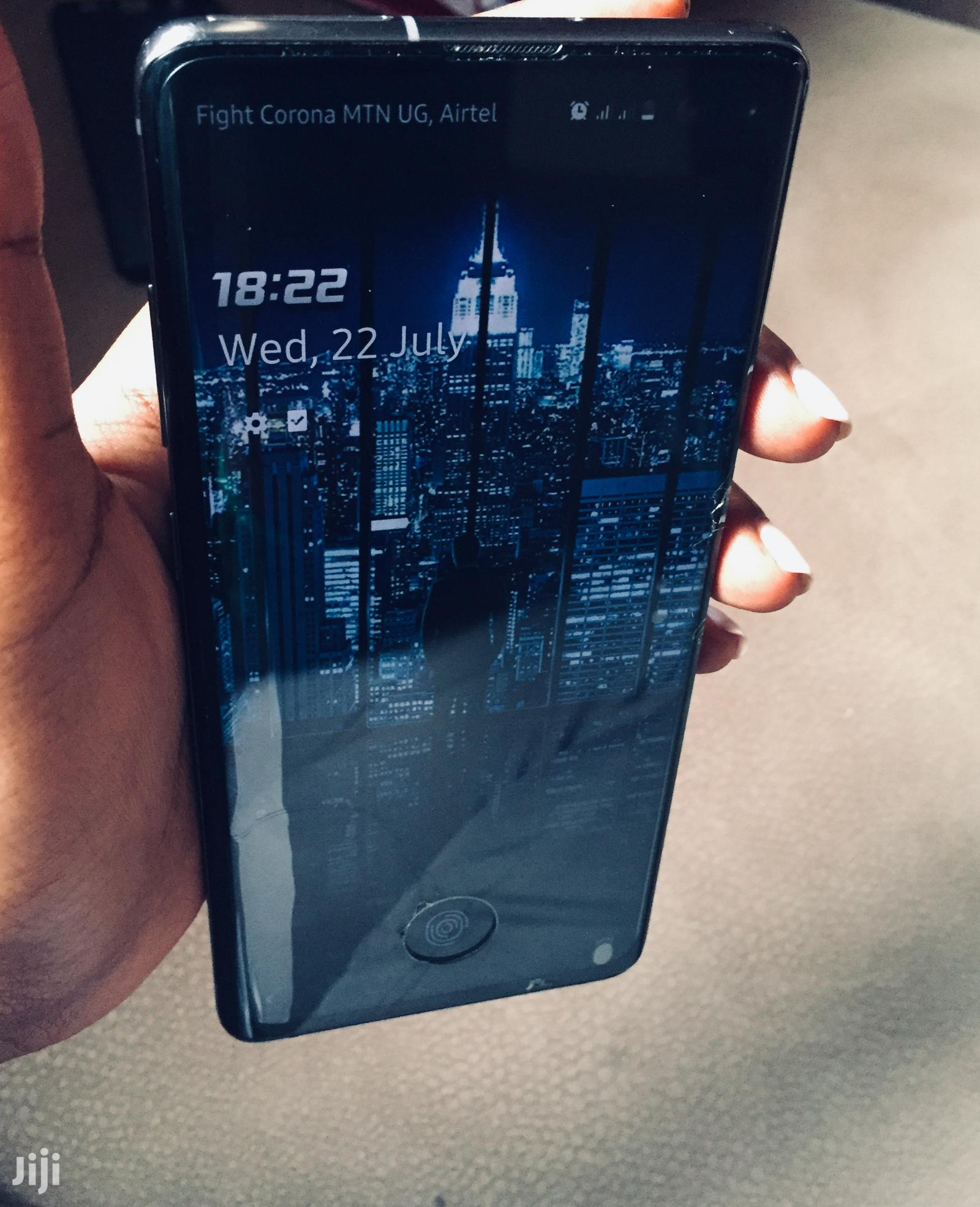 Archive: Samsung Galaxy S10 Plus 128 GB Black