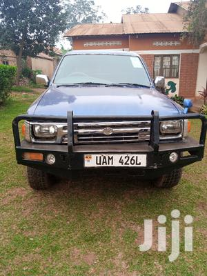 Toyota Hilux 1999 Blue