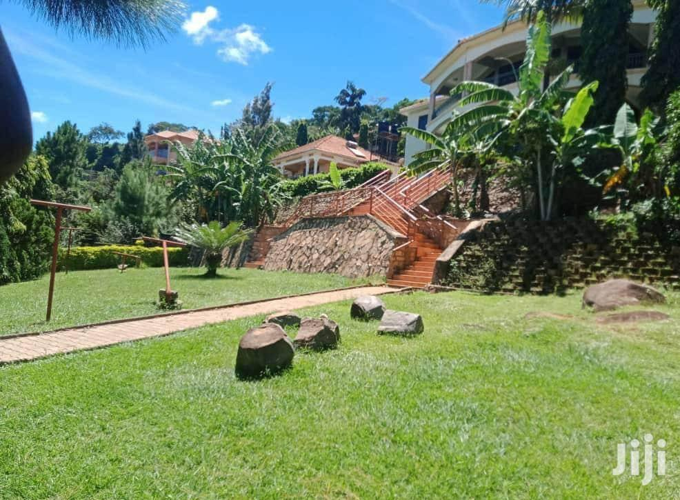 Makindye 5bedroom Standalone For Sale | Houses & Apartments For Sale for sale in Kampala, Central Region, Uganda