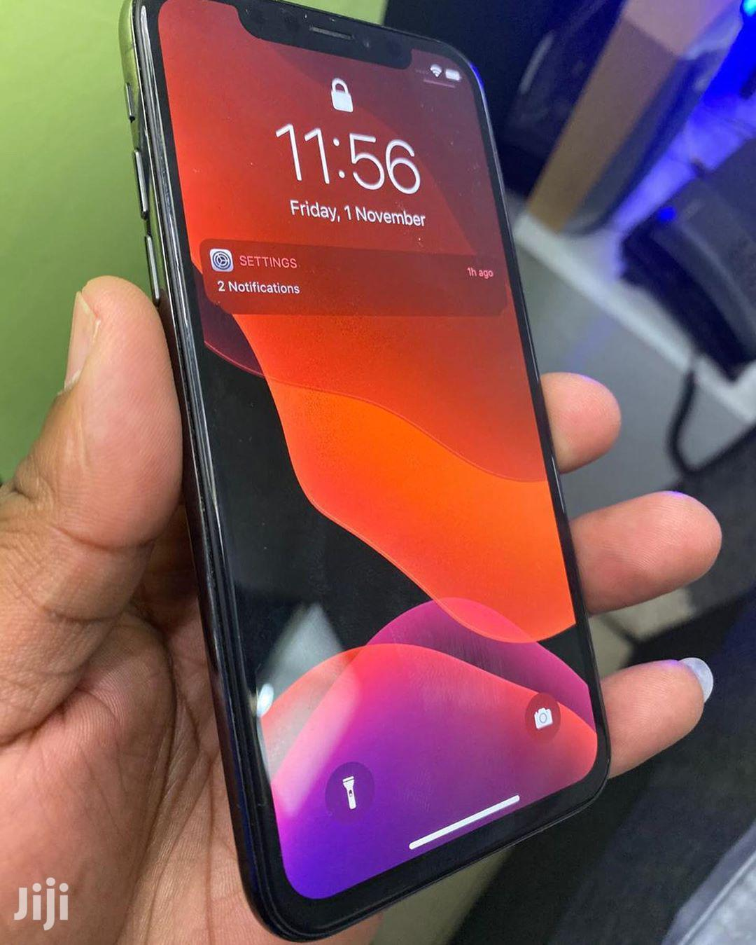 Archive: Apple iPhone X 256 GB Gray