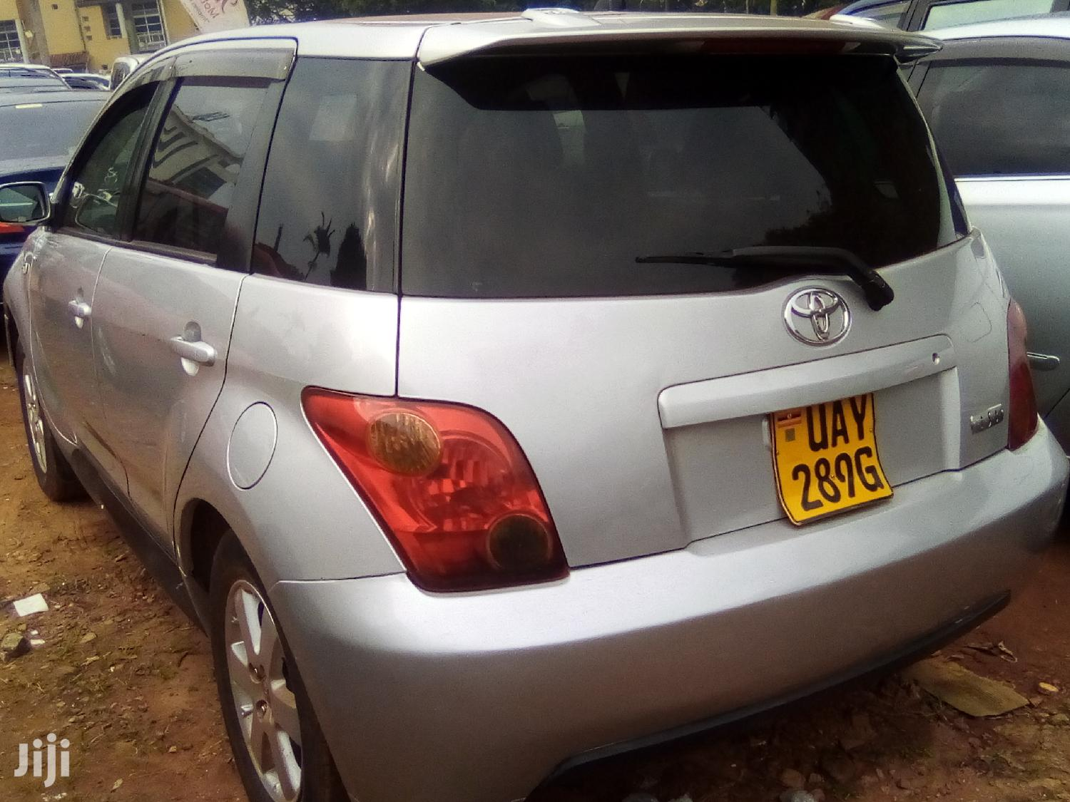 Archive: Toyota IST 2005 Silver