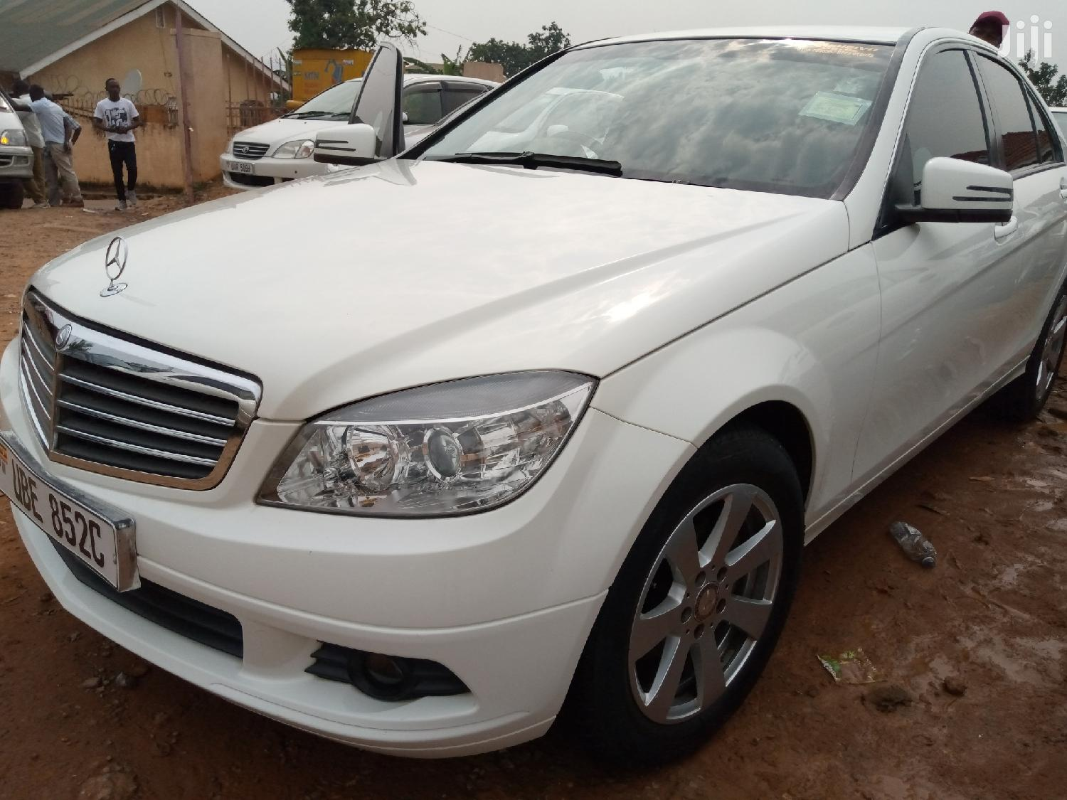 Mercedes-Benz C200 2009 White | Cars for sale in Kampala, Central Region, Uganda