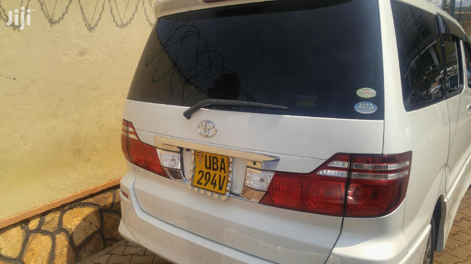Toyota Alphard 2006 White | Buses & Microbuses for sale in Kampala, Central Region, Uganda