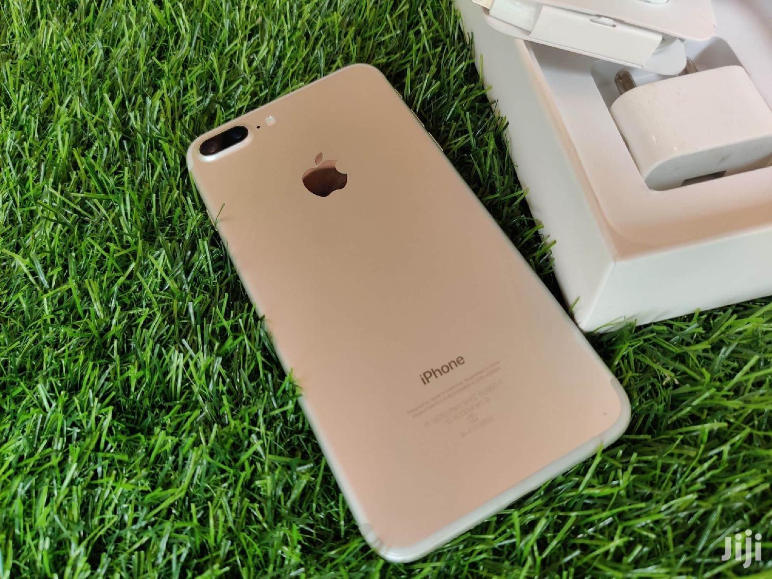 New Apple iPhone 7 Plus 32 GB Gold