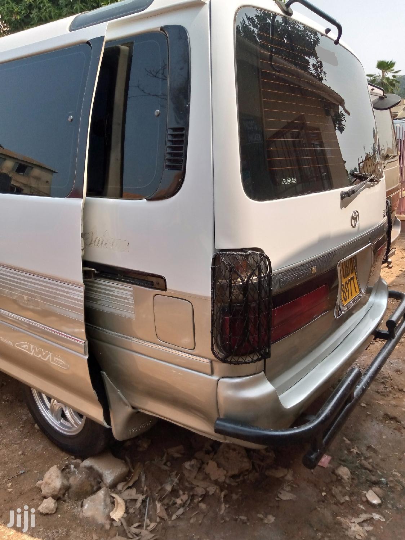 Toyota Super Custom 4WD Van | Buses & Microbuses for sale in Kampala, Central Region, Uganda