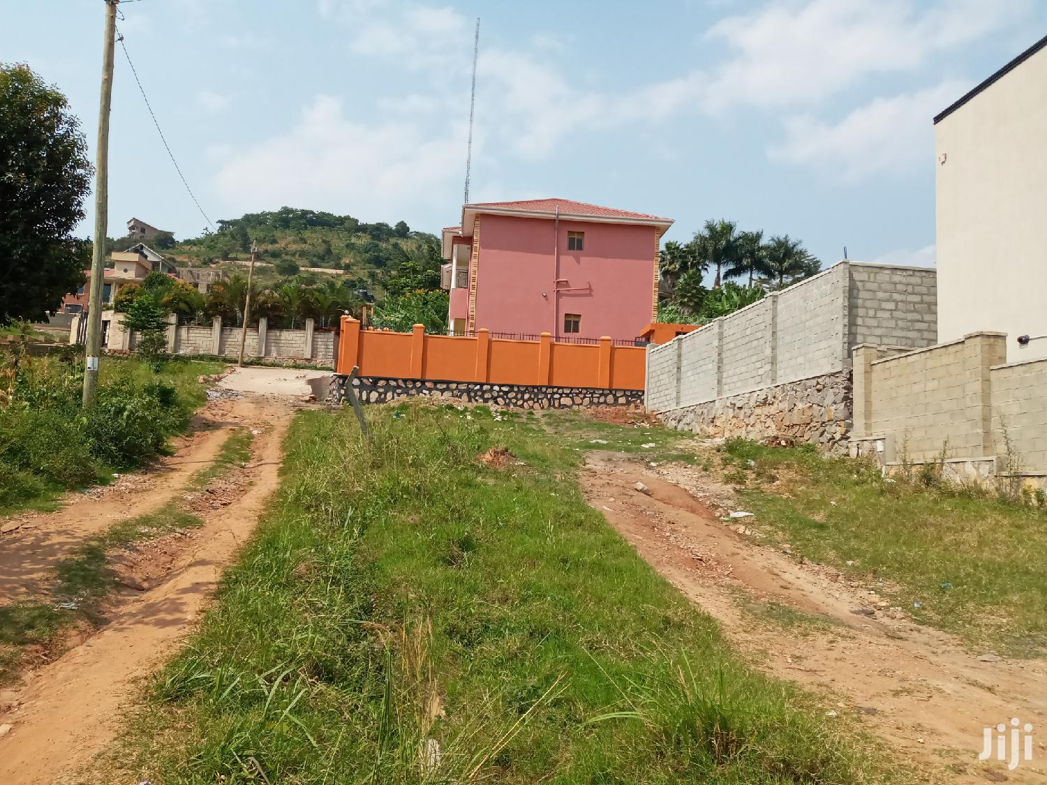 Very Sweet Plot Near Apartment's on Forced Sale in Buziga   Land & Plots For Sale for sale in Kampala, Central Region, Uganda