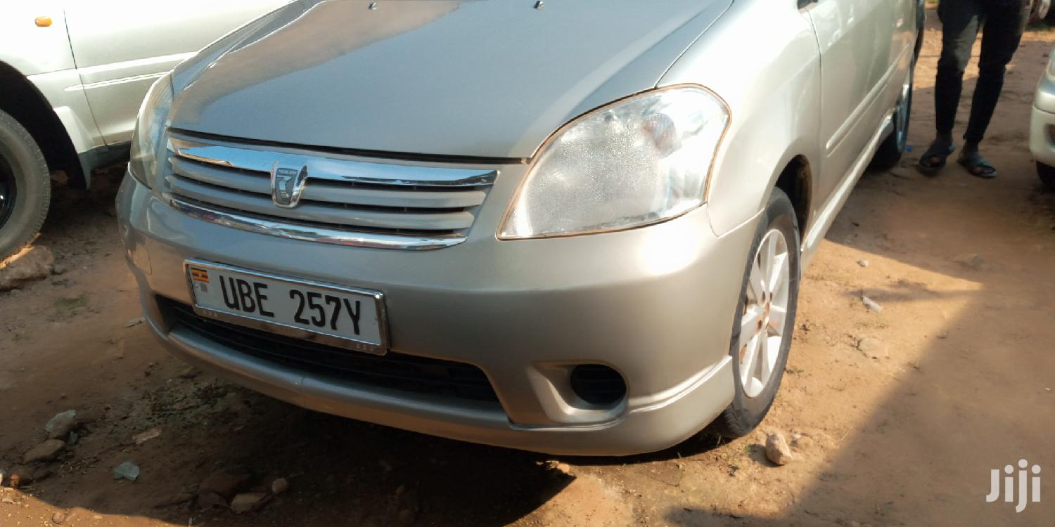 Archive: Toyota Raum 2003 Silver