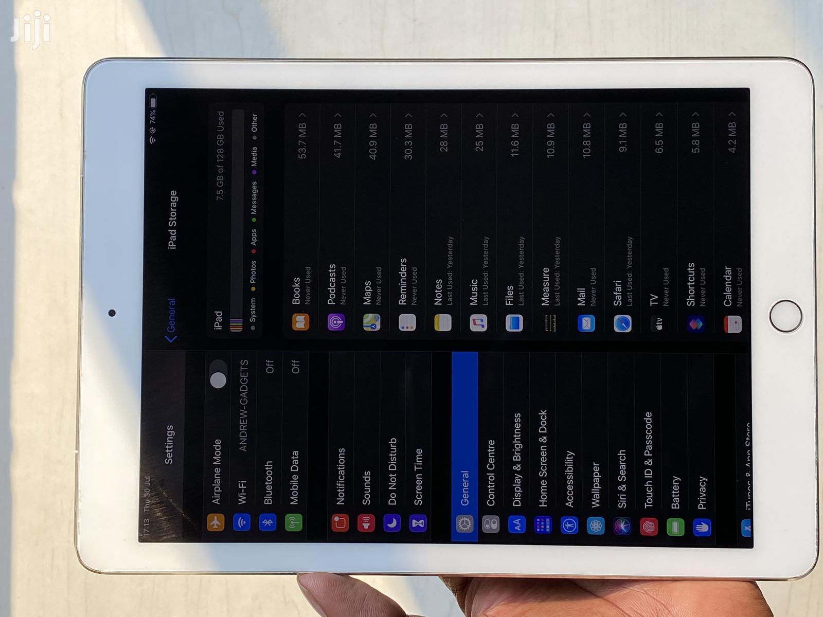 Archive: Apple iPad Pro 9.7 128 GB Silver