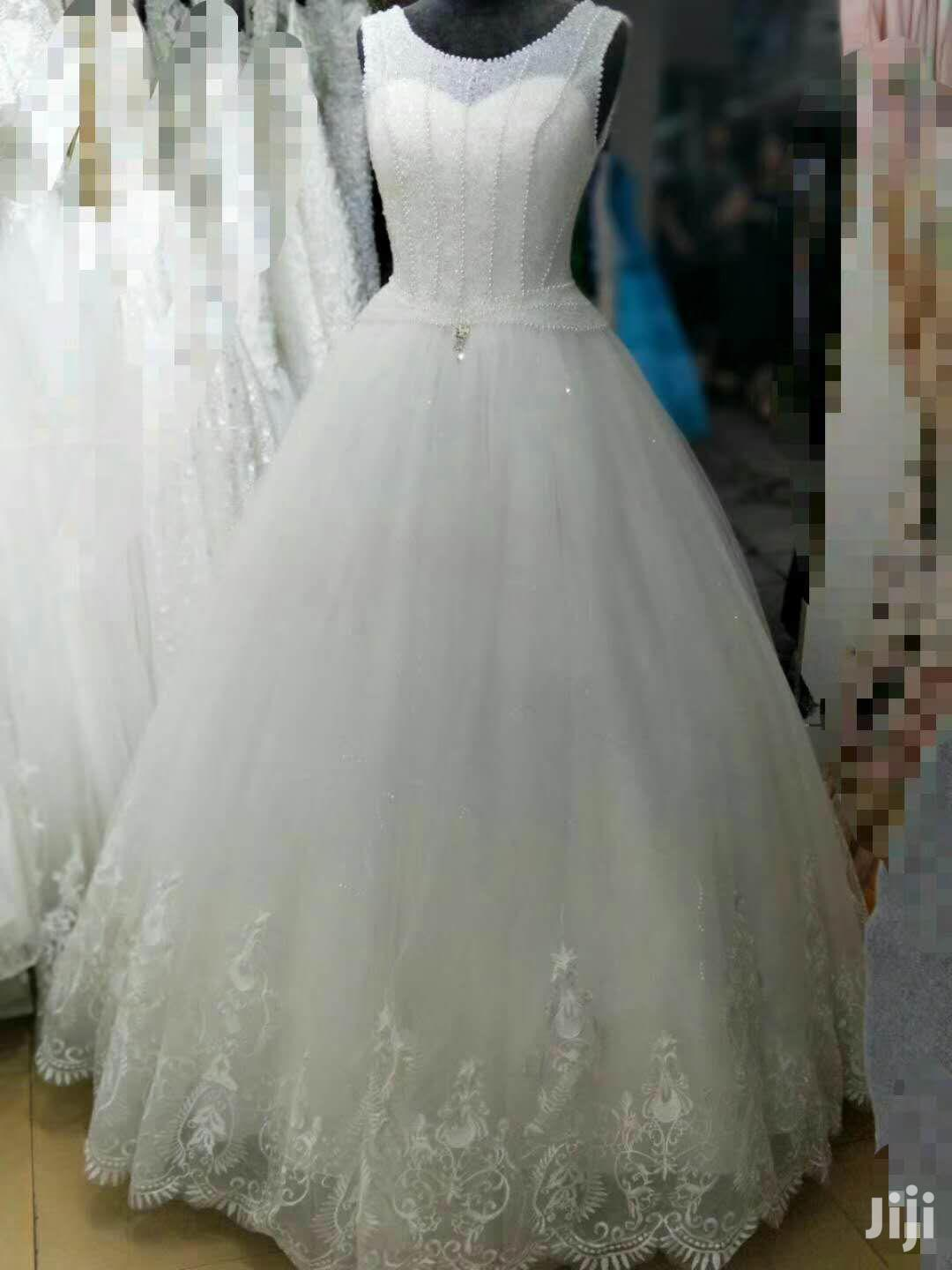 Wedding Gowns And Changing Dresses