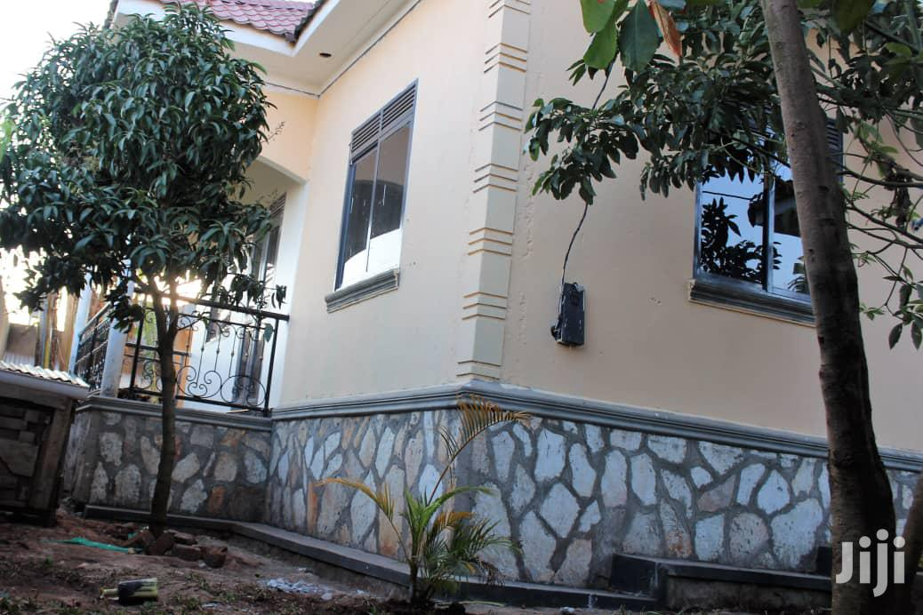 Archive: Four Bedrooms House for Sale Kira With Ready Land Title