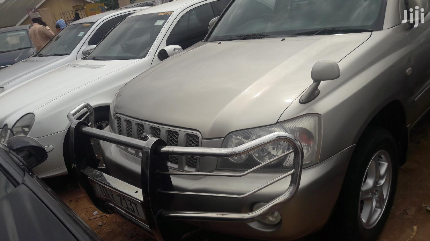 Toyota Kluger 2004 Gold | Cars for sale in Kampala, Central Region, Uganda