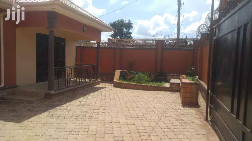 Brand New 3beds/2baths + Servants Quarter In Kyaliwajjara | Houses & Apartments For Sale for sale in Kampala, Central Region, Uganda