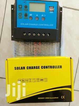 Solar Charge Controller Digital 12V 30 Amps.