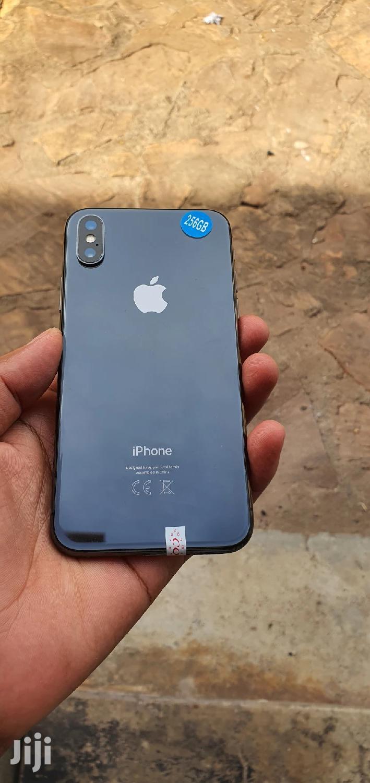 Archive: Apple iPhone X 256 GB Gray