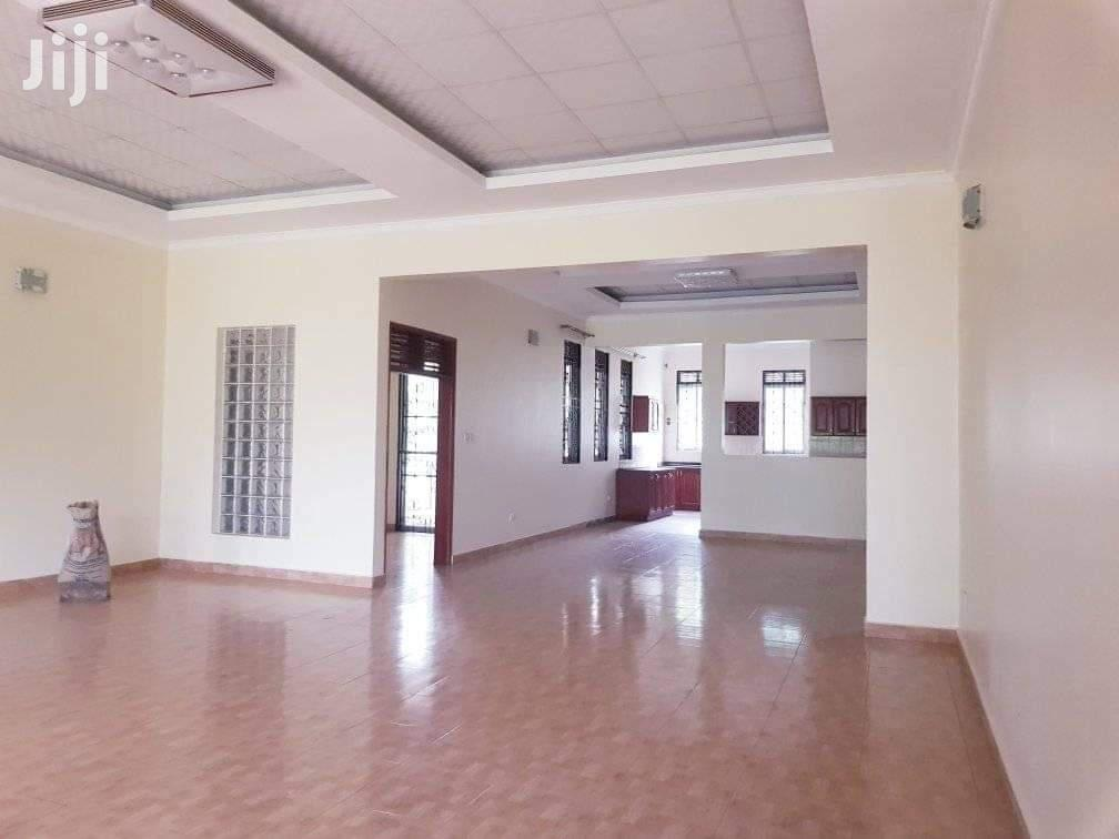 Kigo House For Rent, Along Serena Hotel Road | Houses & Apartments For Rent for sale in Kampala, Central Region, Uganda
