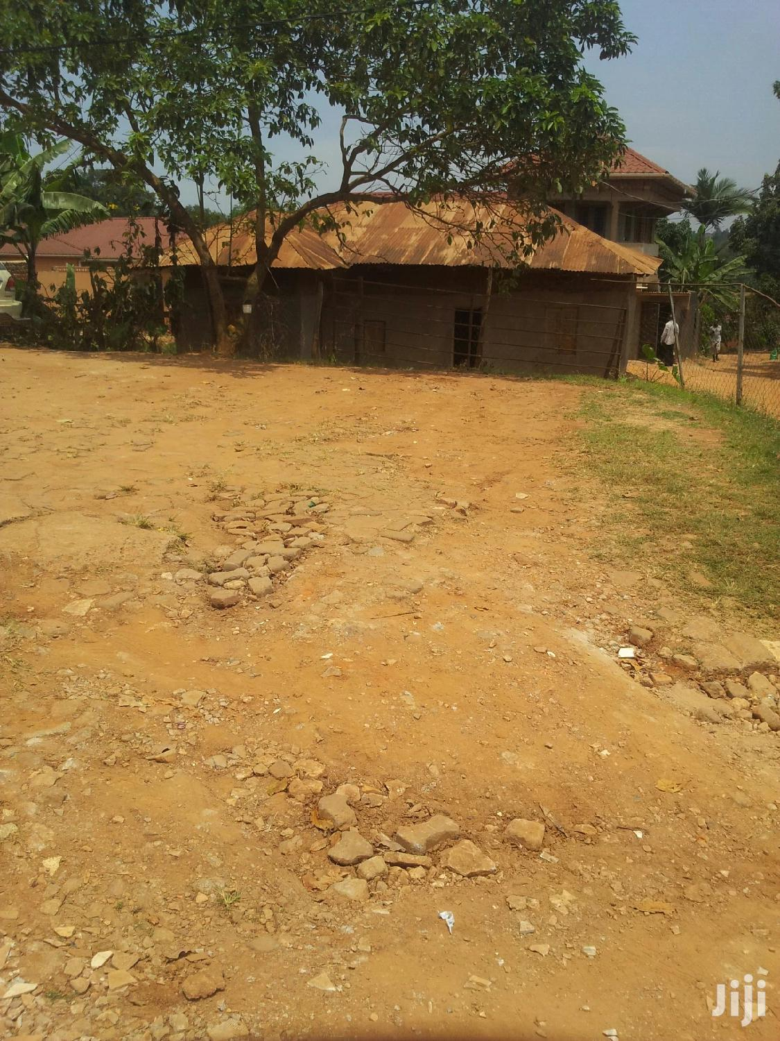 Washing Bay And Parking Area For Rent At Wandegeya