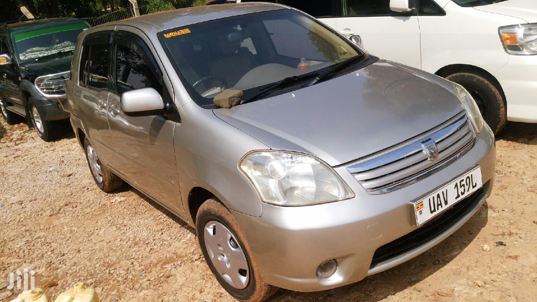 Toyota Raum 2003 Gold