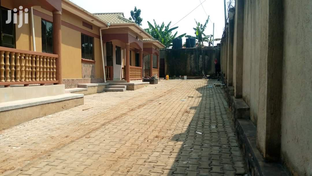 Self Contained 3 Units For Sale In Seeta