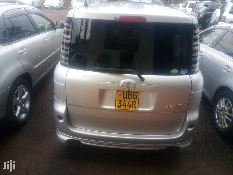 Toyota Sienta 2005 White | Cars for sale in Kampala, Central Region, Uganda
