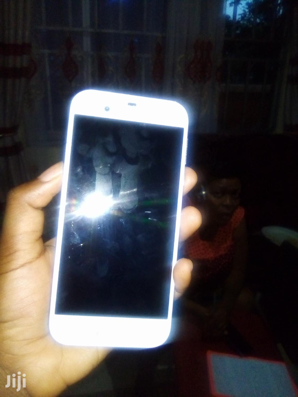 Sharp Aquos V 64 GB White | Mobile Phones for sale in Kampala, Central Region, Uganda