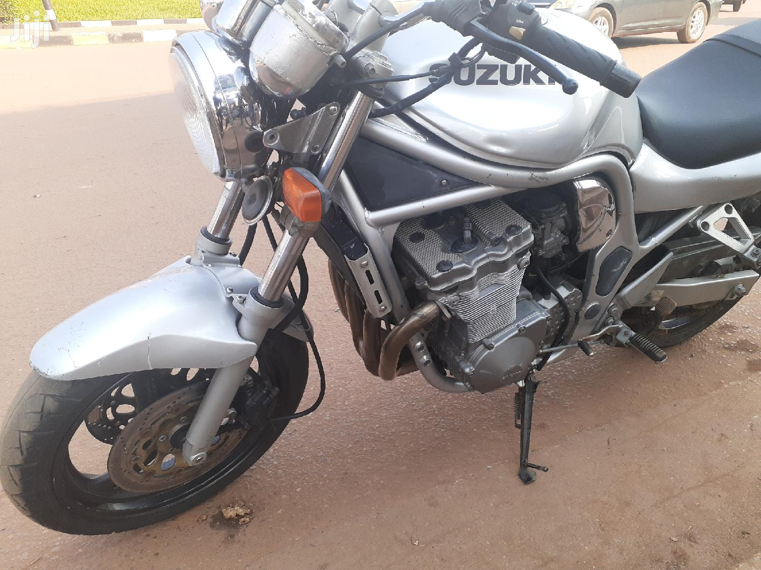Suzuki 750 2000 Silver | Motorcycles & Scooters for sale in Kampala, Central Region, Uganda