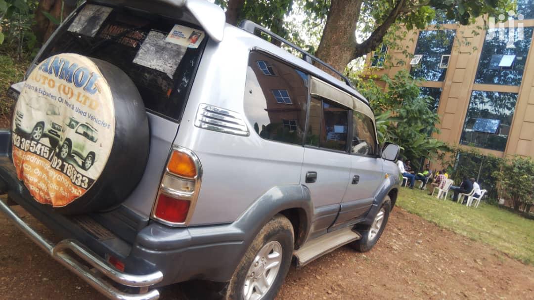 Toyota Land Cruiser Prado 1998 Gray