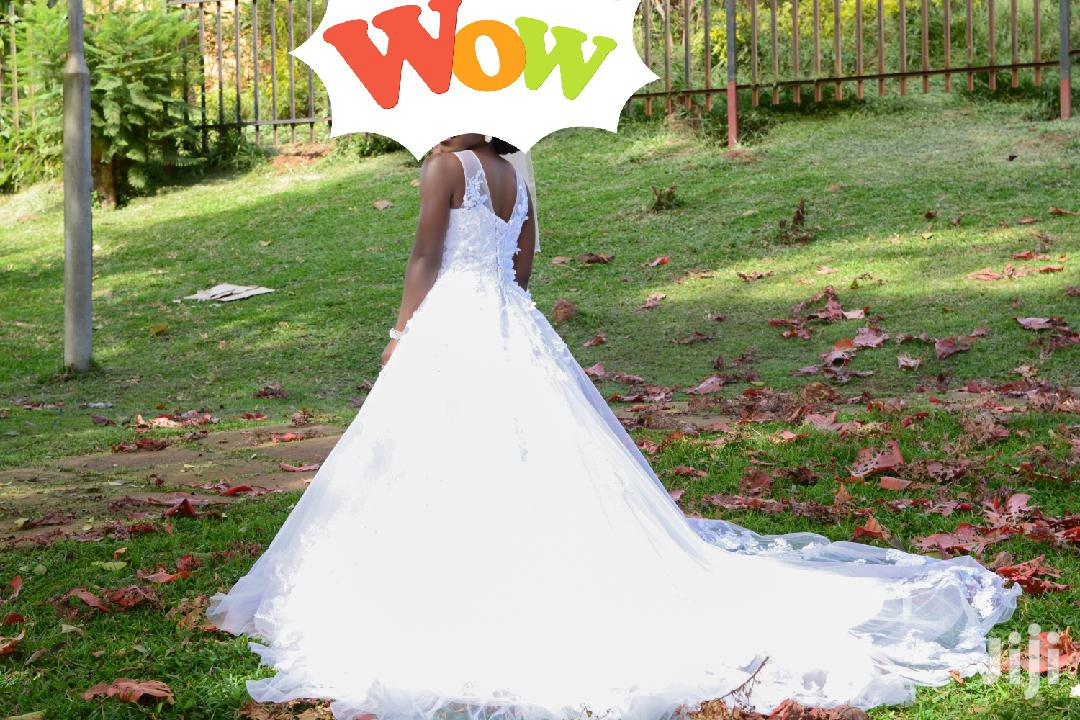 Archive: Beautiful Wedding Gown for Hire
