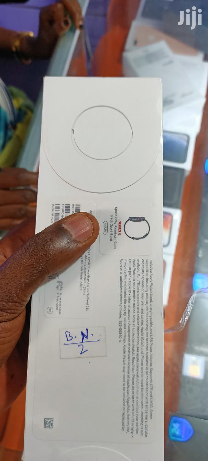 Apple Watch Series 5 44mm Brand New With Warranty Of Year | Smart Watches & Trackers for sale in Kampala, Central Region, Uganda