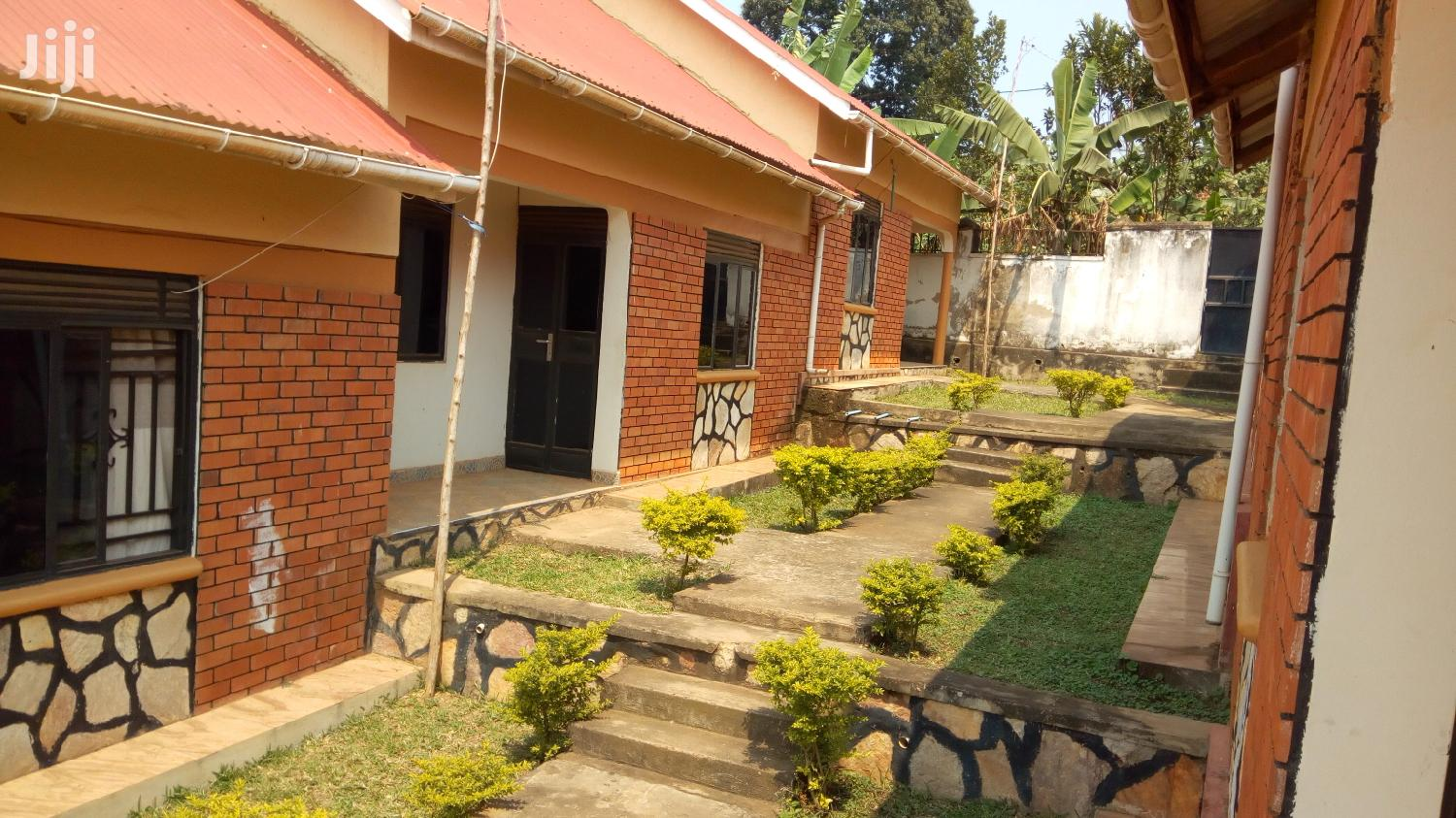 2 Bedroom House In Seeta For Rent
