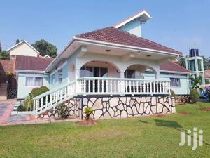 In Upper Buziga, We Have This Beautiful Home For Rent | Houses & Apartments For Rent for sale in Central Region, Kayunga