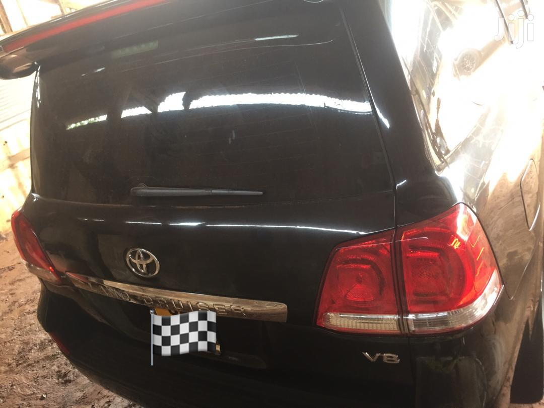 Archive: Toyota Land Cruiser 2010 Black