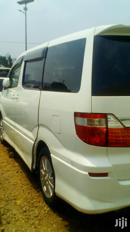 Archive: Toyota Alphard 2005 White