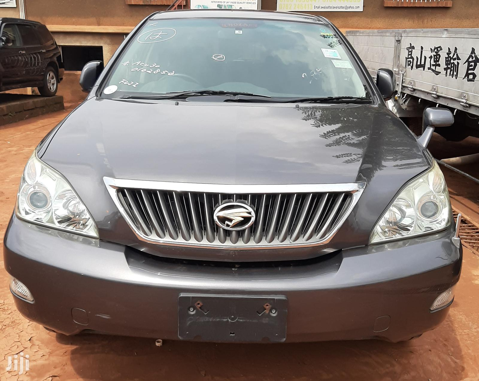 Archive: Toyota Harrier 2009 Gray