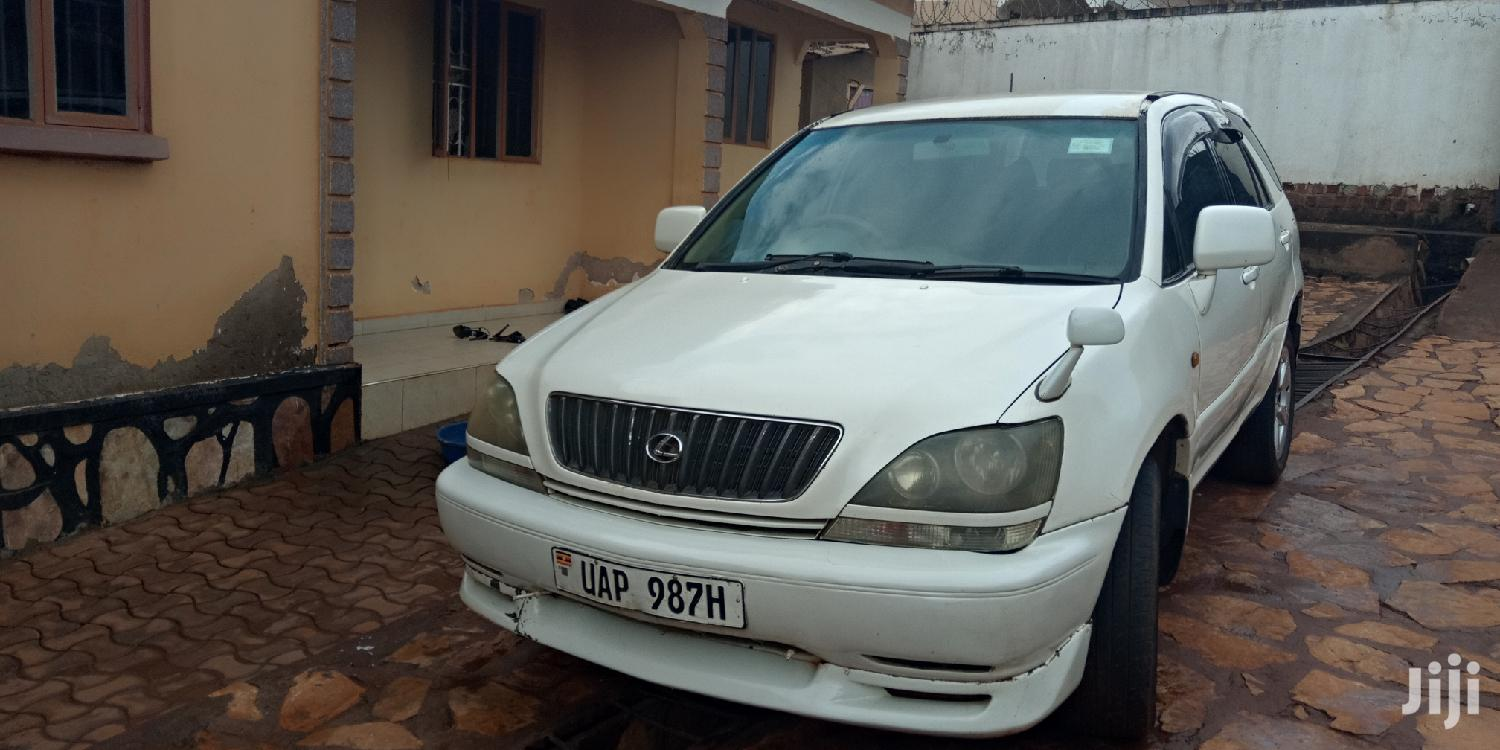 Toyota Harrier 1998 White