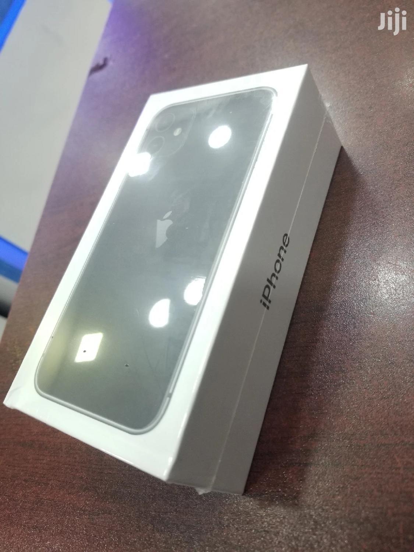 Archive: New Apple iPhone 11 64 GB Black