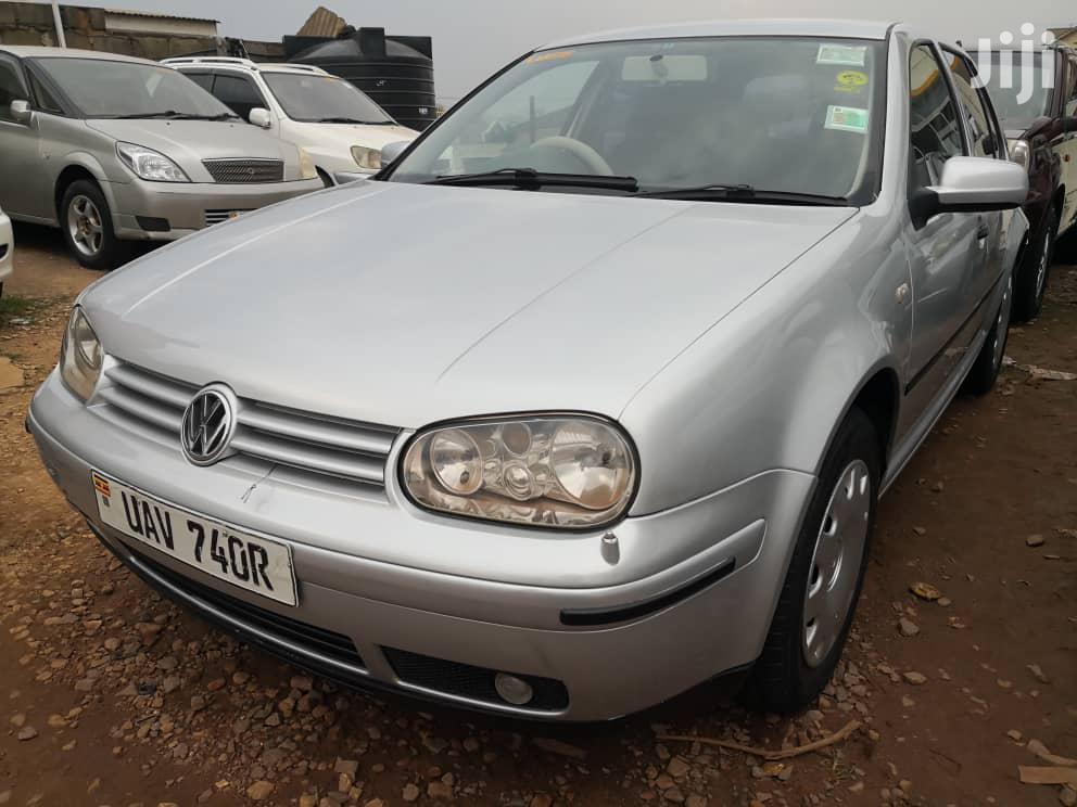 Archive: Volkswagen Golf 2000 1.6 Silver