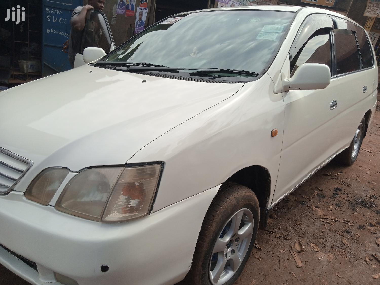 Archive: Toyota Gaia 2004 White