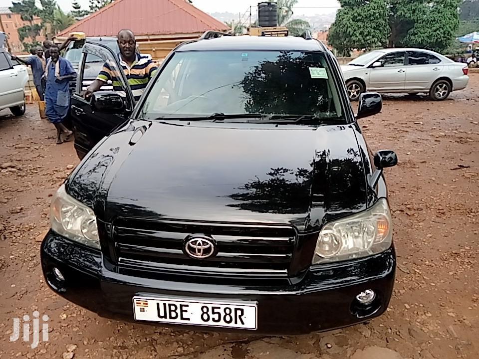 Toyota Kluger 2004 Black
