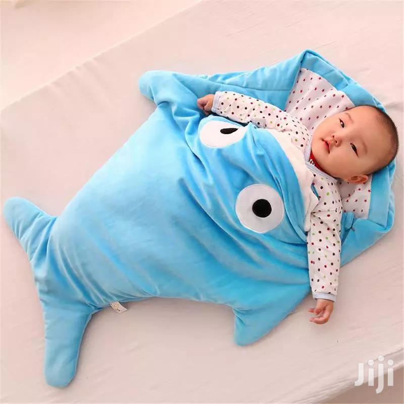 Archive: Baby Shark Receiver/Sleeping Bag