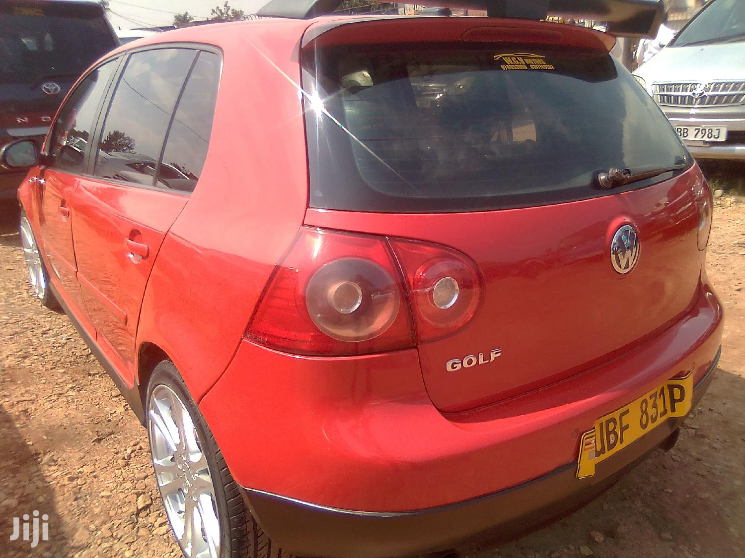 Archive: Volkswagen Golf 2005 Red