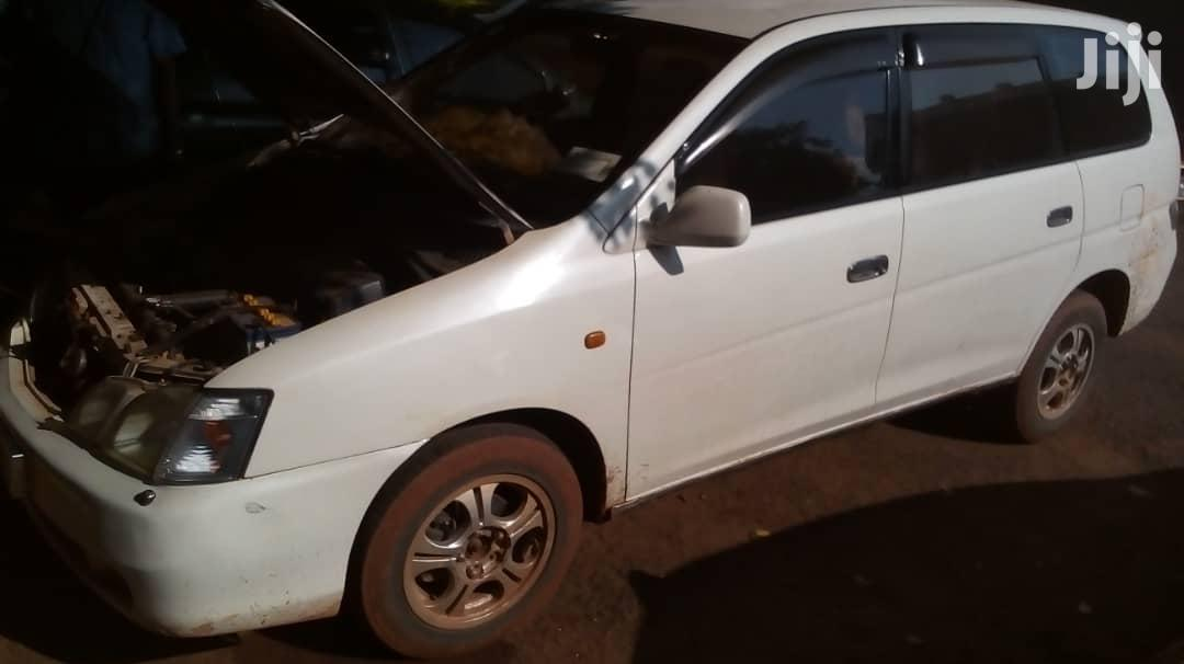 Toyota Gaia 2000 White