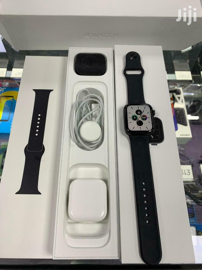 Brand New Apple Watch Series 5 With Black Sports Band | Smart Watches & Trackers for sale in Kampala, Central Region, Uganda