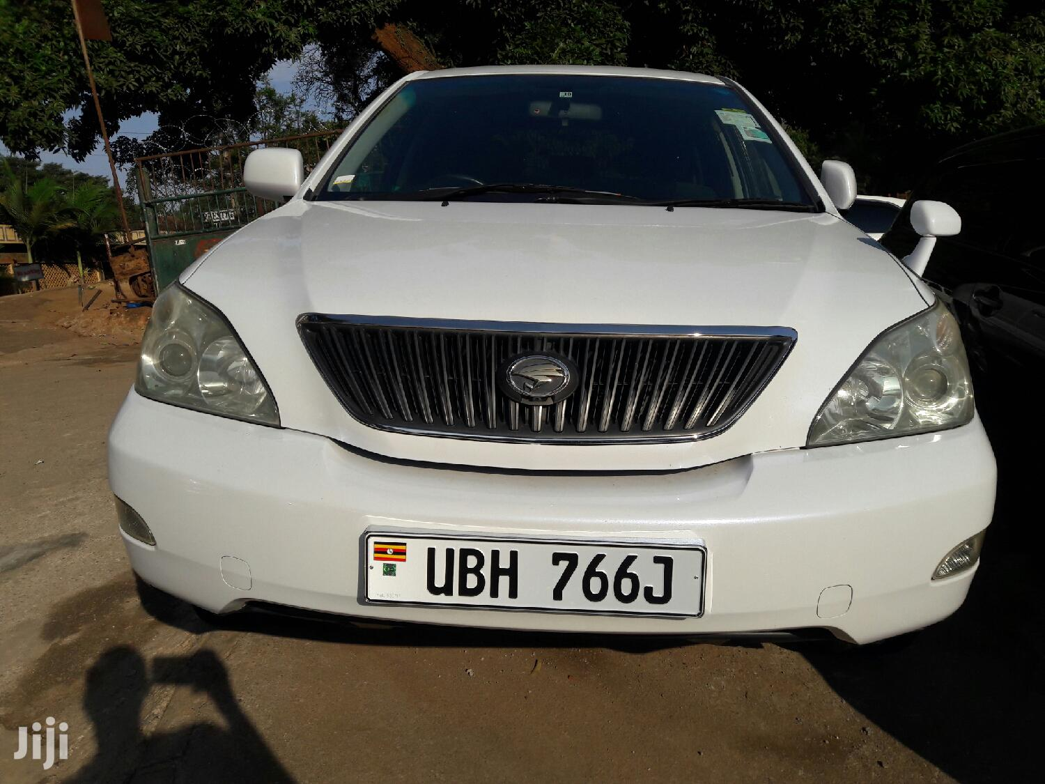 Archive: Toyota Harrier 2007 White